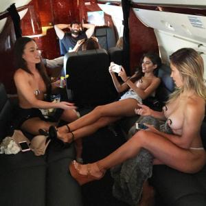 nude on plane