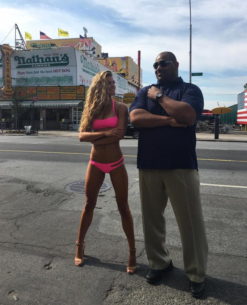 Nina Agdal i bikini